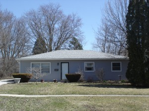 207 W Arrowhead Street - North Aurora, Illinois, 60542